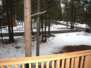 Lift Ticket Deals Sunriver Home with Bonus Room and Hot Tub Near the Village