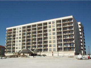 Island Winds West 373 ~ Nice and Homey Beachfront Condo, Gulf Shores