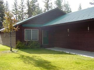 Bear-ly Heaven- Charming home in the Woodlands., McCall