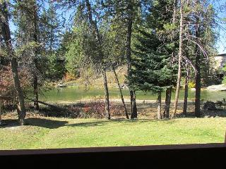 Condo on the Payette River with seasonal pool and tennis courts., McCall