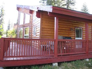 Bellflower Pines- Welcoming log style home with amenities., McCall