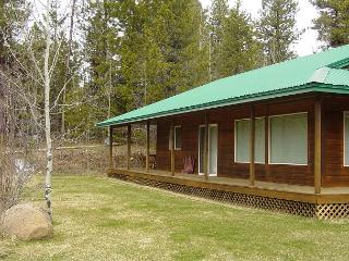 Peaceful mountain-style home with large yard., McCall