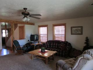 Large Condo walk to Davis Beach, Ponderosa Park or Town!, McCall