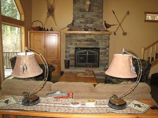 Northview Cabin- Mountain Style home in Spring Mtn. Ranch with amenities, McCall