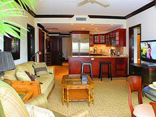 Waipouli #D-309: 2bdr/3bath city view condo with amenities, Kapaa