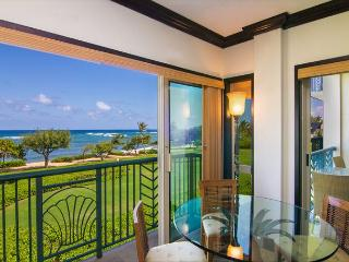 Luxury Oceanfront Condo:  Enjoy Tranquil Sounds of the Ocean in Every Room!