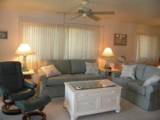 Sandpiper Beach #203 Quiet & Secluded, Isla de Sanibel