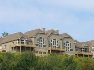 Overlook Mountain Villa 1B, McHenry