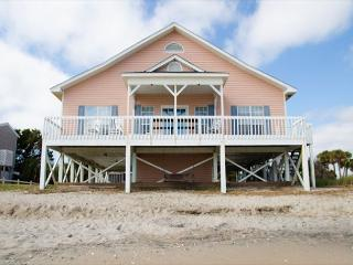 'A Shore Thing' - Ocean Front Vacation Wonder, Edisto Island