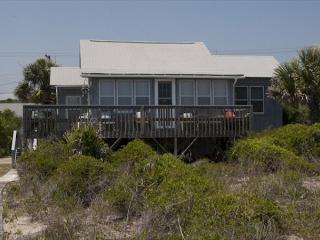 Glass House - Unique Beach Front Cottage, Edisto Island