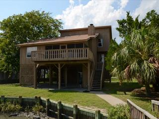 Lost Options - Private Dock, Easy Beach Access, Edisto Island