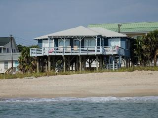 Sea Plus - 4 Bedroom Beach Front Home, Edisto Island