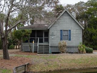Best Place - 2BR+Loft Home With Resort Amenities & Screened Porch, Edisto Island