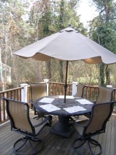 2nd deck off of dining area