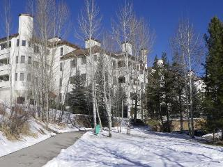 The Terraces S31: Renovated. Pool. Hot Tub, Steamboat Springs