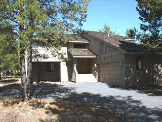 Pet friendly Sunriver home with AC and Bikes Near SHARC