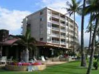 Hale Pau Hana 107 ~ Oceanfront 1 bedroom, 2 Bath - Very Popular Condo!, Kihei