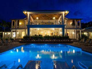 Fairway Manor - 7 Bedrooms - Montego Bay