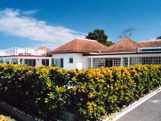 Pineapple Villa - Silver Sands 7 Bedrooms