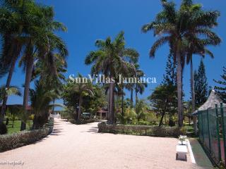 Seven Seas - Ocho Rios 4 Bedroom Beachfront