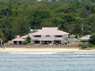 Villa Paradiso - Ocho Rios 7 Bedroom Beachfront