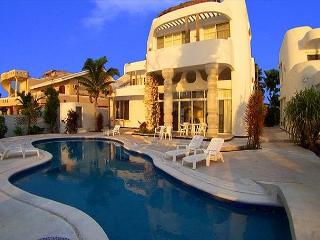 6 BR Oceanfront Villa with Pool. Cook Svce Option. Spectacular Views!, Cozumel