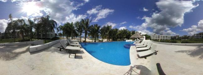 Oceanfront Infininty Pool