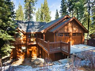 Elegant mountain home with all the amenities!