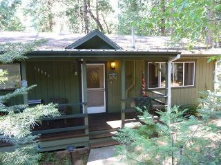 Great family home + studio - a/c, deck, pool table, internet, Twain Harte
