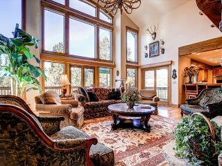 Silverview at Highlands Living Room Breckenrige Luxury Lodging