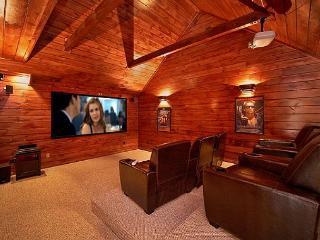 Private Theater Room - Luxury 3 bedroom cabin, Gatlinburg