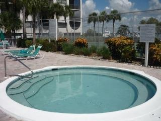 Comfortable garden view property with great Resort amenities, Isla Marco