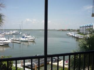 Impecable unit with beautiful Water views from private balcony