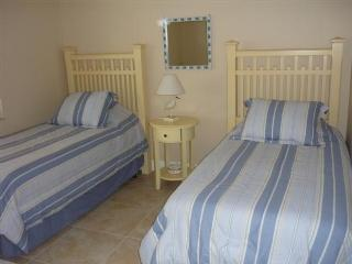 Guest Bedroom..Nice Too