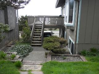 AVALON- SPECTACULAR PANORAMIC OCEAN & NEAHKAHNIE MOUNTAIN VIEWS!!, Nehalem