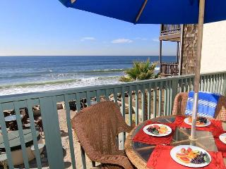 Beautiful, 2 unit duplex, 6 BR's total, On the Sand, Private Spas & Balconies