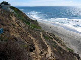 Oceanfront rental with 6br, 5ba, endless ocean views, spa, fireplace, & more!, Encinitas