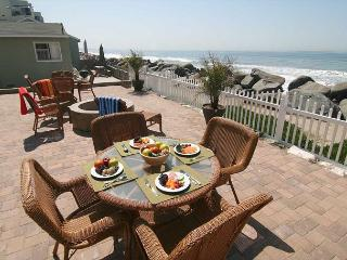 Common patio overlooking beach