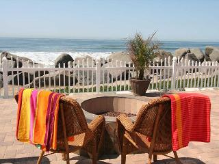 Remodeled Beach Rental, 2br/1ba, shared firepit, bbq, patio, steps to sand #1, Oceanside