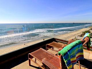 5200sf Home on the Beach with 8br's, 5.5ba's, rooftop deck, private spas..., Oceanside