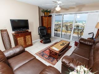 GD 104: A MUST SEE UNIT, Everything you want for a PERFECT BEACH VACATION