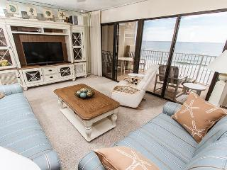 GS 503: CORNER condo with beachy décor-HDTVs, Free Beach Service, GREAT
