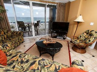 IP 309: Colorful beach front condo- heated pool, WiFi, FREE BEACH SERVICE, Fort Walton Beach