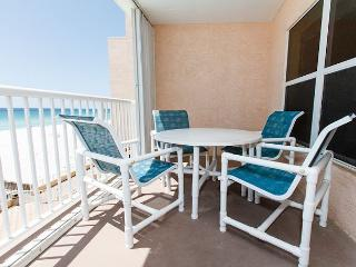 #4007: VACATION NOW in this COMFY BEACH FRONT dwelling!