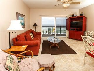 PI 608: Charming condo on the beach! Balcony, pool, Free Beach Service, Fort Walton Beach