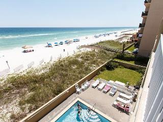 SL 303: 3rd floor beach front,free beach service, snorkeling, GOLF, movies