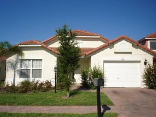 Beautiful 4BR house 10min from Disney & golf courses - RR319, Davenport