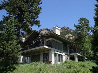 The Adams at Windcliff: Panoramic RMNP Views, Steps from Park, Wildlife, Estes Park