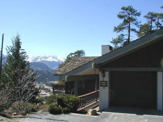 Breiding Upper at Windcliff: RMNP Panoramic Views, Hot Tub, Sun Room, Wildlife, Estes Park