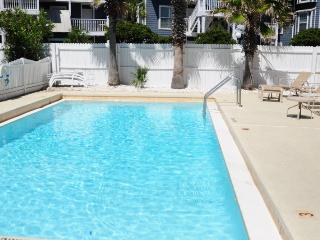 Costa Vista # 21 *VERY LARGE, UPGRADED CONDO - 50 YARDS TO BEACH*